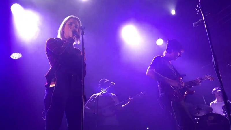 Velvet Savoy ft Zoë Gnecco live at Parkteatret Oslo 11 01 18 1