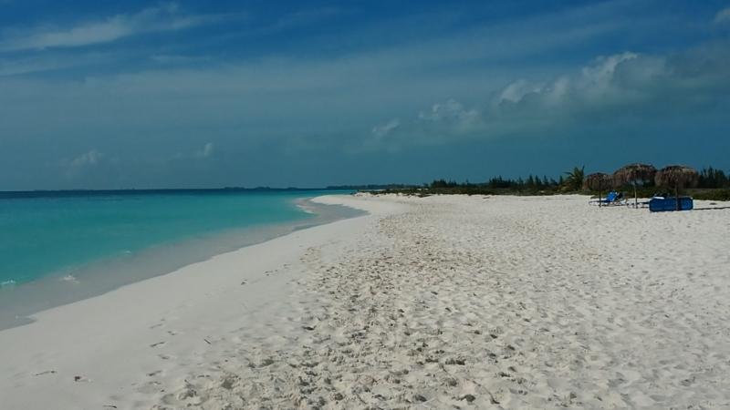 Побережье острова на Кубе ( Као Ларго)