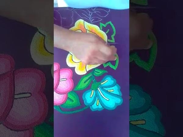 Bordado a mano, técnica con aguja de gancho. Juchitán De Zaragoza, Oaxaca.