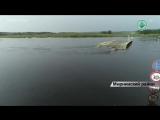 Понтонная переправа на Малой Ботуобии с высоты птичьего полета