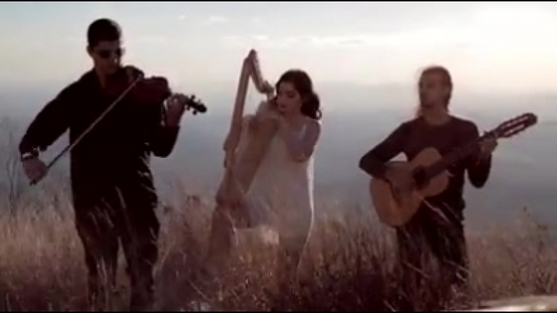 Trio Amadeus joue Led Zeppelin - Stairway to Heaven Le groupe brésilien enregistre une version semi-acoustique pour les chanson