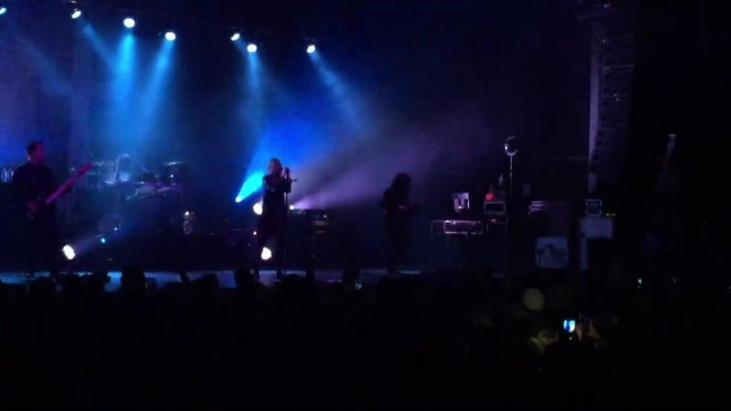 The Pretty Reckless - Follow Me Down (Myth Live Event Center)
