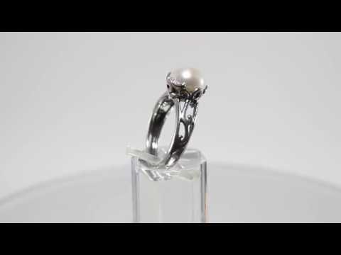 Кольцо с жемчугом из черненного серебра