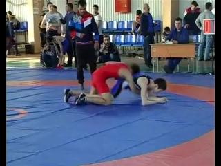 Чемпионат Юждага по вольной борьбе среди юношей прошел в г. Даг. Огни