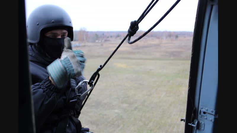 Беспарашютное десантирование отработали сотрудники Росгвардии региона