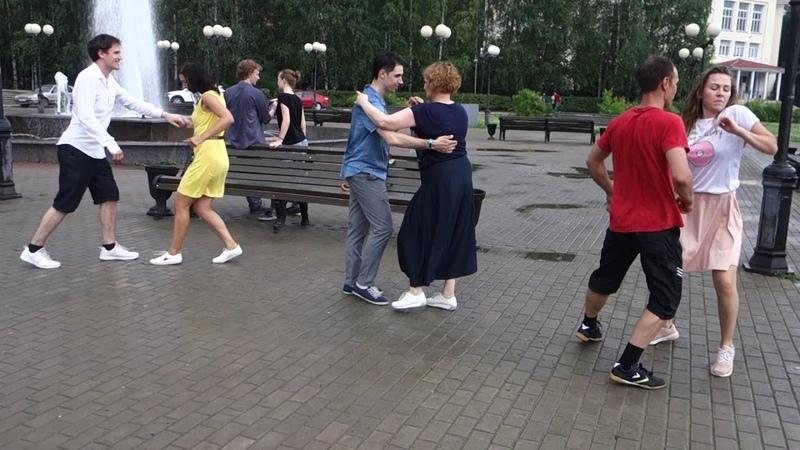 Танцы на Театральной площади г. Сыктывкара 15.07.2018 - 16 - Vivir Mi Vida - Marc Anthony