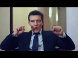 Антонио Бандерас учится говорить на русском
