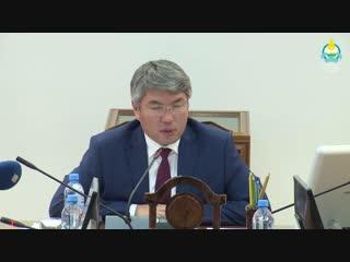 Глава Бурятии Алексей Цыденов: Работа регоператора по сбору мусора вызывает большие опасения
