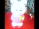 Малая 👧🏼не понимает ещё не чего, но этот заяц 🐰 с музыкой ей точно нравится ✌🏻намуже1месяц👧🏼