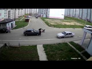 Водитель попытался поставить на ноги искалеченного им школьника