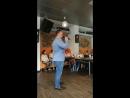 французский центр Амитье в г. Челябинск. поет Антон Шардыко. великолепный голос! высокое искусство! а он, между прочим, по с