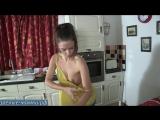 Хозяйственная жена наводит порядок дома пока муж трахается на стороне с новой бабой