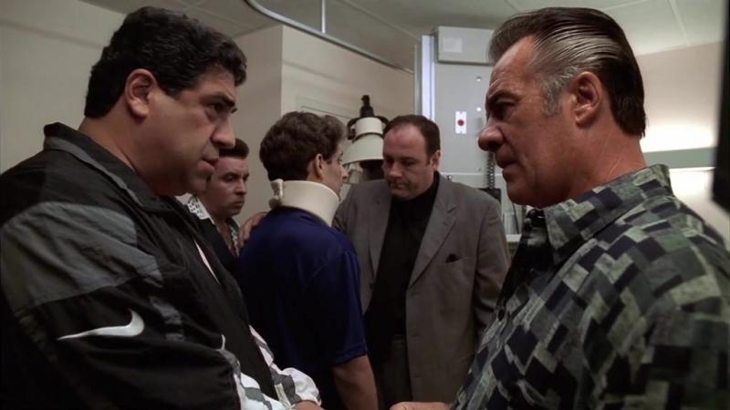 Семья на смертном одре Джеки Априла. Крисси жалуется на Джуниора. (Клан Сопрано S01E04)