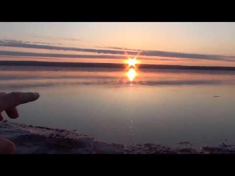 Восход солнца над рекой Енисей 29 апреля 2018 пробуем искать веснянку и рыбачить Лесосибирск ледоход