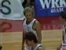 1986 Ларри Бёрд попадает этот невероятный бросок