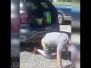 Когда купил машину с функцией открывания багажника взмахом ноги