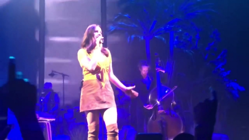 Lana Del Rey – Carmen (Live @ «LA To The Moon Tour» «Palau Sant Jordi»)
