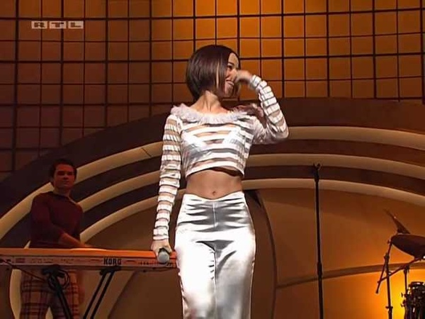 Alizee L Alize Bravo Supershow