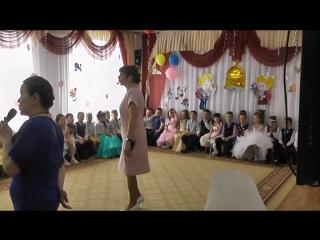 Прощальная песня от воспитателей с выпускниками гр. РАДУГА.