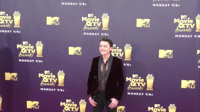 2018 › Ноа на ковровой дорожке премии «MTV Movie TV Awards» › 18 июня