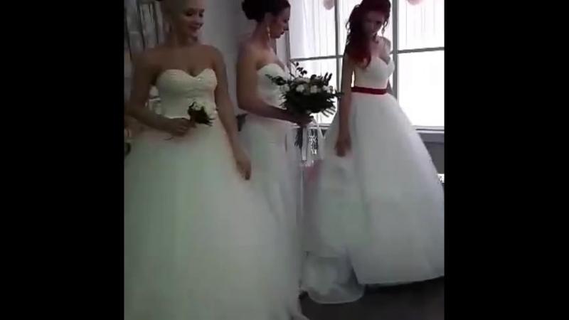 Невесты бывают разные: блондинки,брюнетки,шатенки....