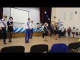 Последний звонок. Массовый танец с лицами учителей.
