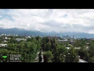 Красивый памятник в красивом городе Виктор Цой Моро в центре Алматы