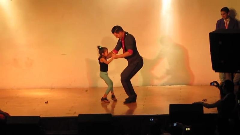 Comadreja Salsa Congress 2013 _ Agostina Trejo Daniel Sánchez (bachata)