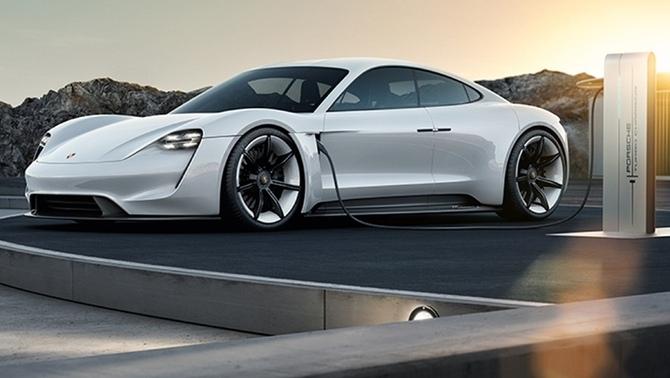 Первый электромобиль Porsche получил имя Taycan.