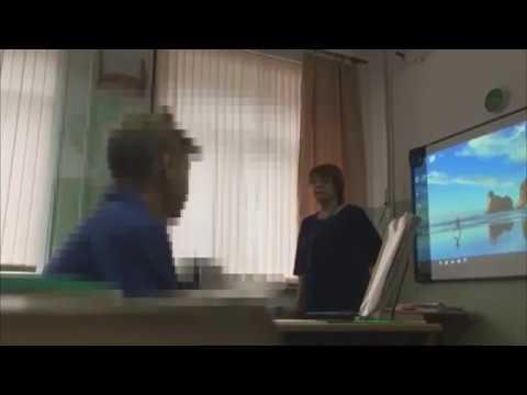 Сахалинская учительница унизила школьницу из‐за дырочки на кофте, Ты приёмная что ли?»: