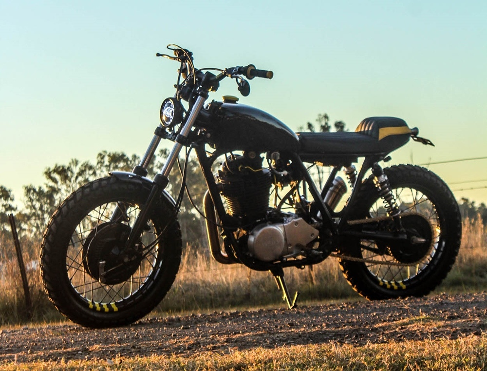 Purpose Built Moto: скрэмблер Yamaha SR400