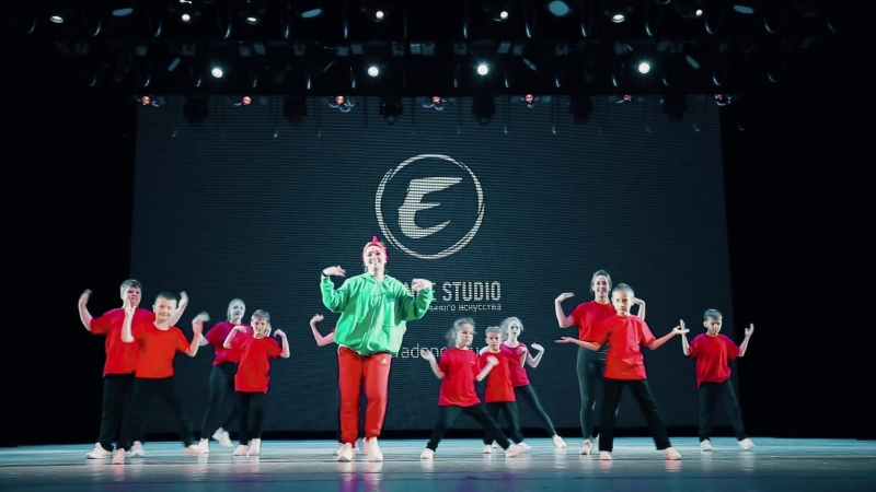 Hip-hop band (E-Dance Studio)