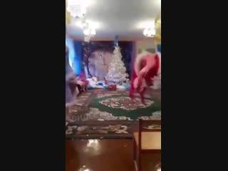 Дед мороз жжёт