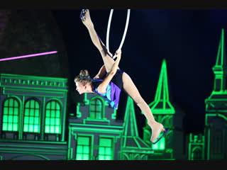 Воздушная гимнастка - на коньках!/ Виктория Пикулина.