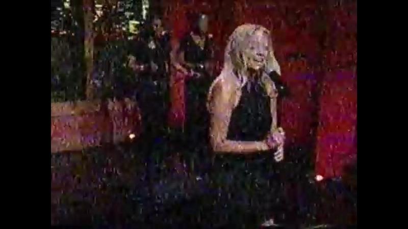 Emma Bunton - Free Me @ Regis and Kelly 26.01.2005
