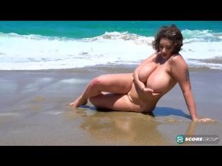 Daria - the watcher spies on daria enjoying a beach day