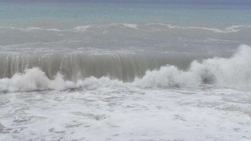 08.09.2018 г. Утро, примерно 09.50, Гагра, Абхазия, шторм просто КОНКРЕТНЫЙ, КЛАССНЫЙ, РЕАЛЬНЫЙ😄👍👍👍👍👍👍👍😎👌