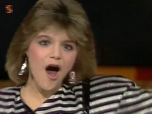 SANDRA KIM - Liberté Interview (TV BELGE) L'Esprit de Famille du 12 octobre 1986