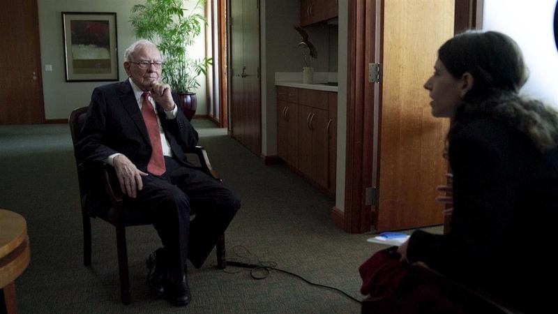 Why Warren Buffett Said No to Lehman and AIG in 2008