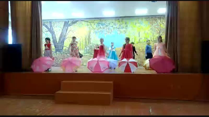 11 школа г. Искитим, 3а класс . Танец Осени. (Вика Конева)