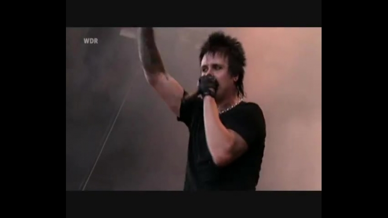 Papa Roach - Between Angels And Insects @ Rock Am Ring 2007 [HQ] (10⁄11)