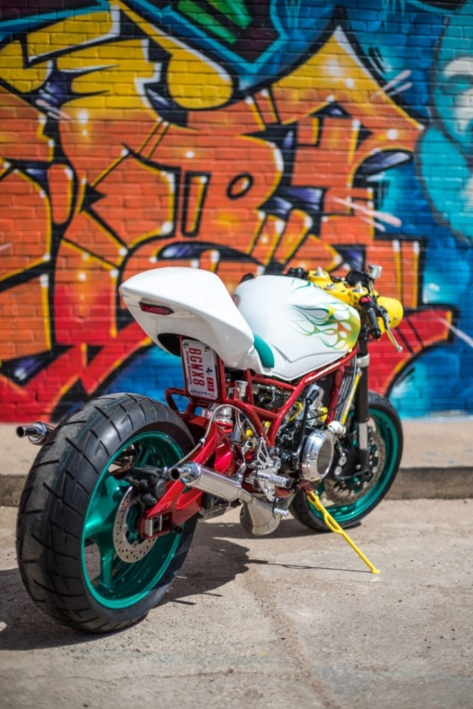 Swinndustries: стрит Yamaha RZ350 Lab Rat