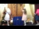 куклы танцуют