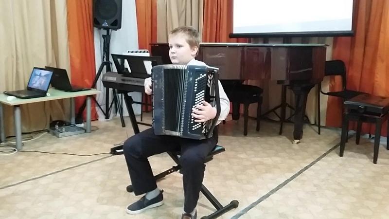 Крылов Андрей играет
