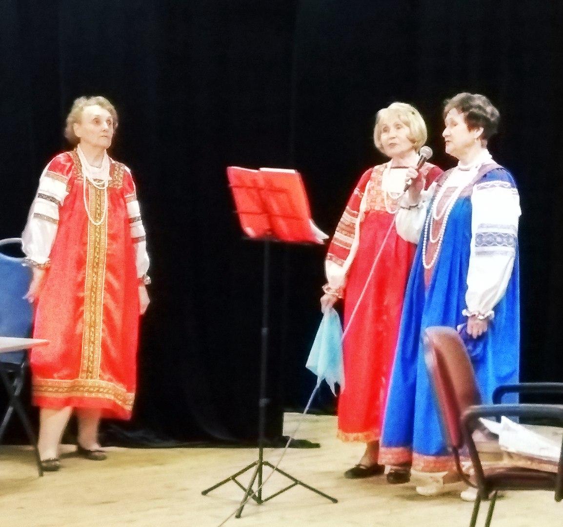 """концерт для пенсионеров в клубе """"Сфера"""""""