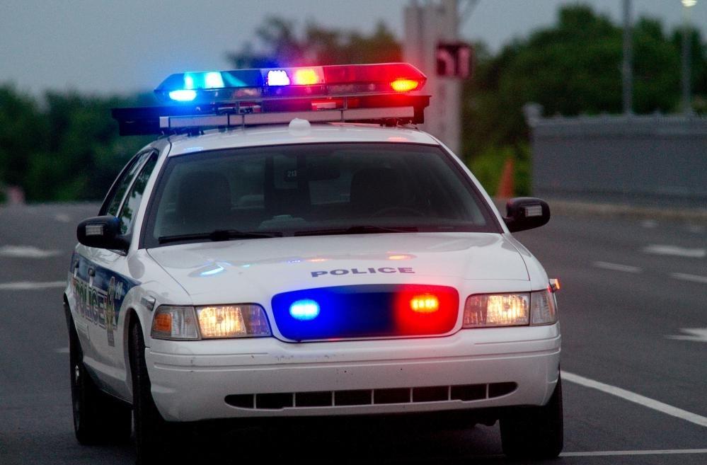 Муниципалитет может отправить запрос предложений (RFP) нескольким автопроизводителям, если он нуждается в новых полицейских машинах.