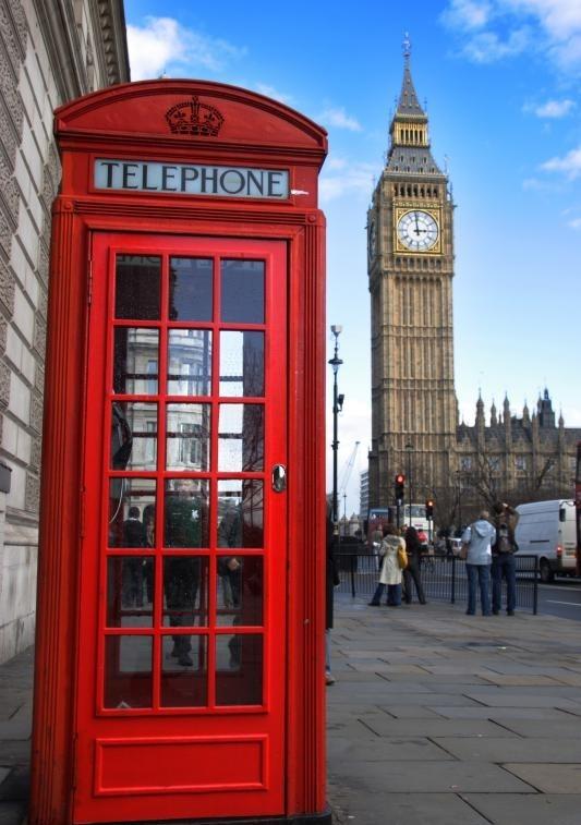 В соответствии с прекращенной британской обязательной конкурентной системой привязки город должен, например, купить самую дешевую телефонную будку.