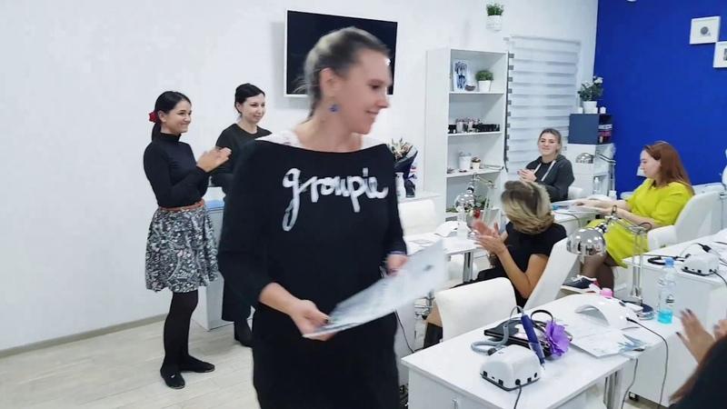 Вручение дипломов ученицам в Chernika nailschool