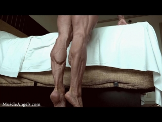 selma_labat_strong_legs_and_most_musculars1