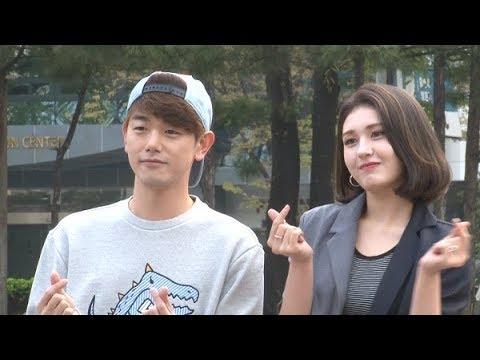 [SSTV] 에릭남·전소미, 다정한 훈남 훈녀♥ 만남 '특별 무대 기대UP' (뮤직뱅크)